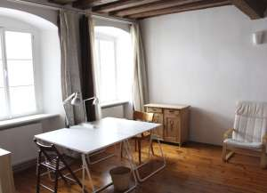 Best Location in the Centre/Apartment for Student/Top Renovated Old building apartment