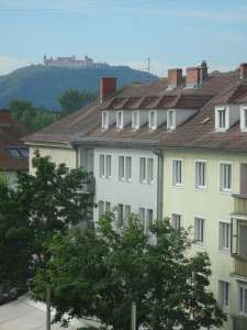 Krems center - newly renovated top floor apartment with 4 rooms! Also suitable for a student shared apartment!