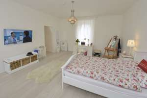 WG Krems: Very nice rooms with private shower/WC in beautifully renovated, fully furnished 3-person apartment